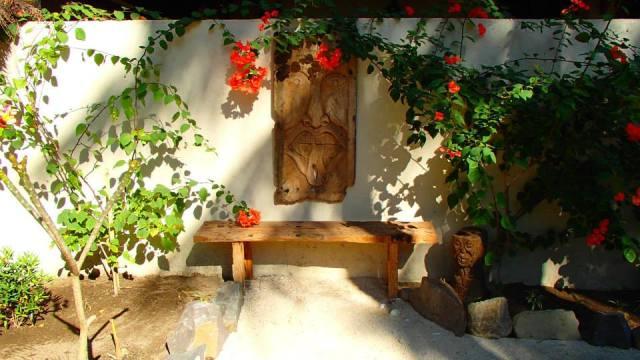 art in garden