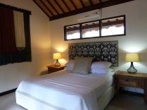 Standard king bed cottage